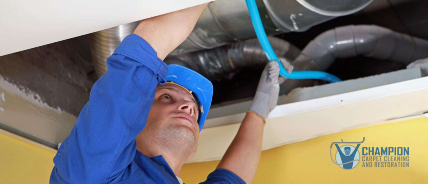 Air-Ducts-Worker